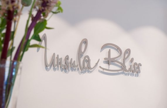 UrsulaBlissSalon05