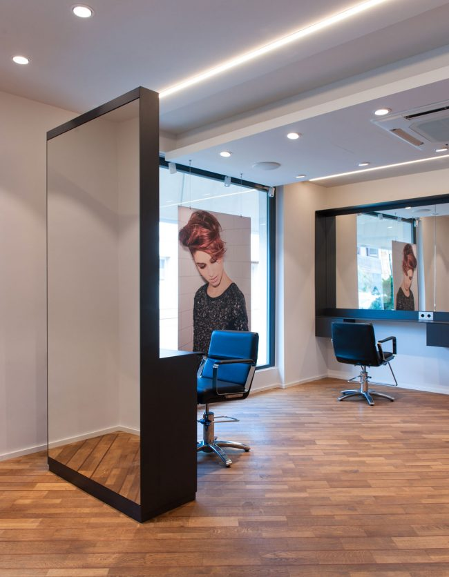 UrsulaBlissSalon06
